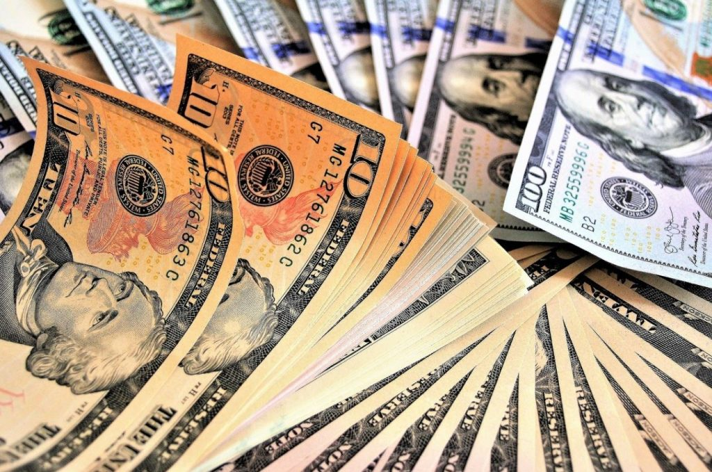 Picture of crisp large denomination bills